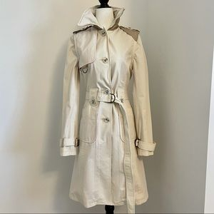 Mackage fitted trench coat a leather collar and leather detailing.